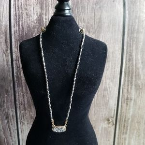 Druzy Oval Necklace and stud earrings